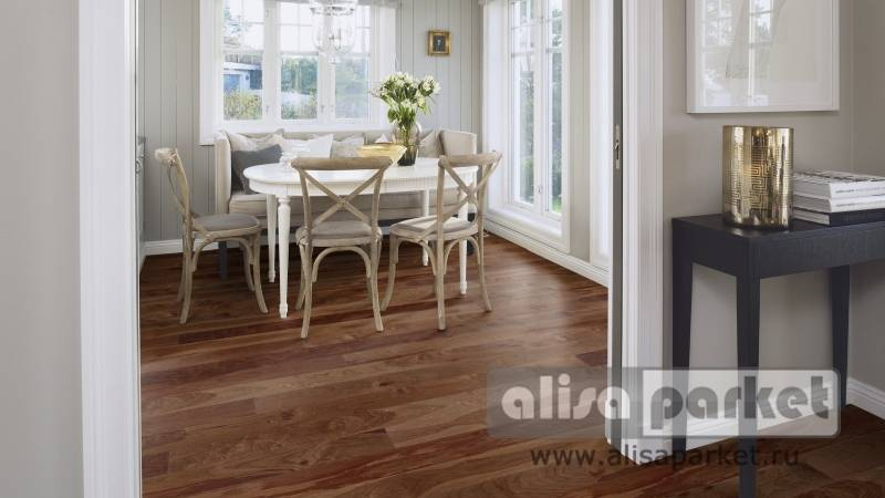 Фото паркетной доски Boen Gent Plank 138, 181, 209 mm American Walnut Animoso в интерьере