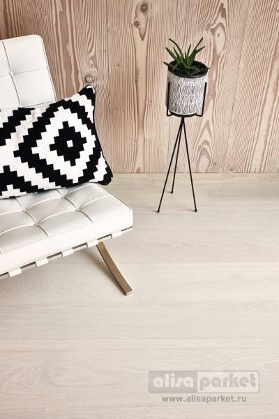 Фото паркетной доски Boen Live Pure Planks 138, 209 mm Oak white pigmented slightly brushed Andante 209 мм в интерьере