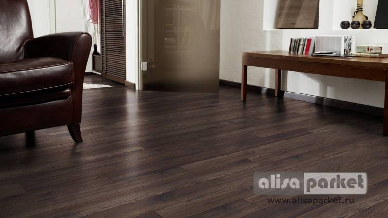 Фото ламината Kaindl Natural Touch 10.0 Narrow plank Гикори Вэлли в интерьере